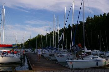rejsy żeglarskie dla rodzin po Mazurach
