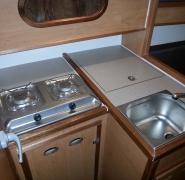 jacht-antila-27-kuchnia