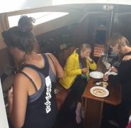 kuchnia-na-jachcie-mazury-2019
