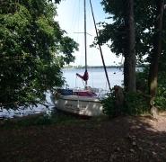 mała żaglówka szkoły żeglarstwa PuntoVita
