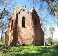 widok na grobowiec lehndorffa