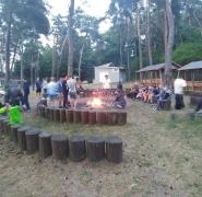 siedzenia-przy-ogniskach-mazury