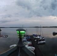 widok-na-mazurski-port-wieczorem