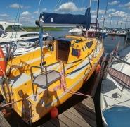 zolty-jacht-mazury