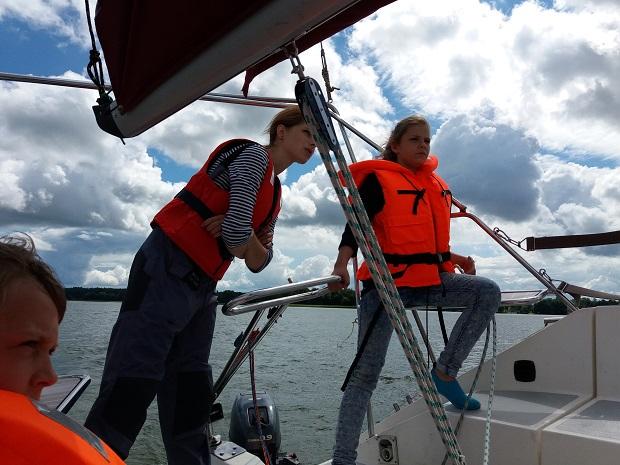 dlaczego warto zainspirować dziecko żeglarstwem