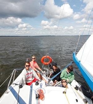 obóz żeglarski z patentem na Mazurach