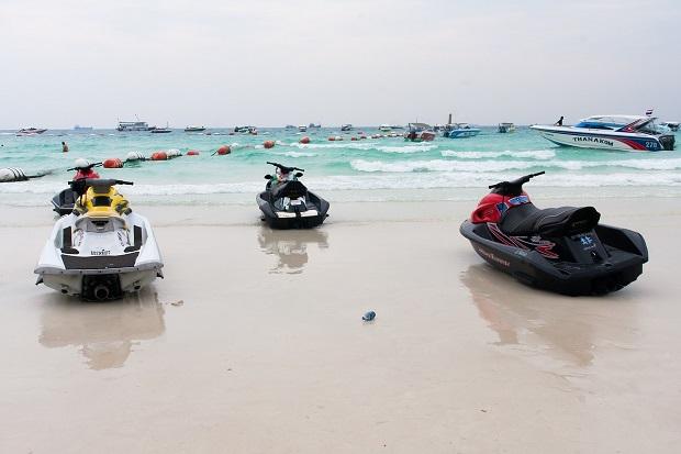Czy z patentem motorowodnym można prowadzić skuter wodny?