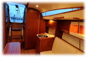 jacht Antila 27 wnętrze