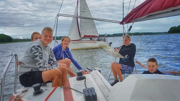 młodzieżowe rejsy żeglarskie