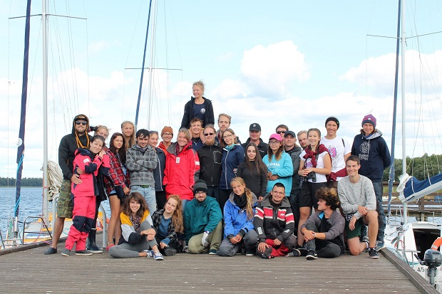 szkolenia żeglarskie dla dorosłych osób