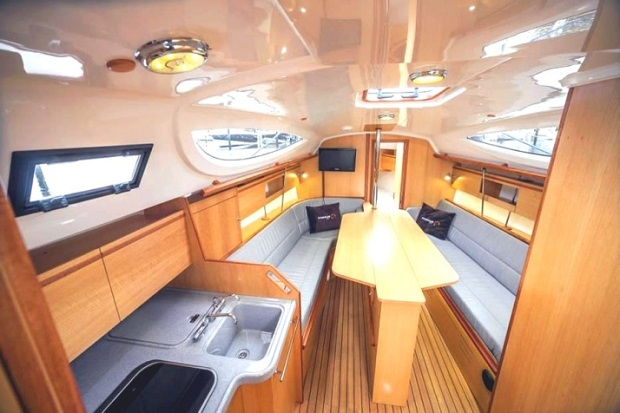jacht maxus 33