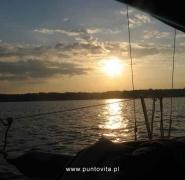 Żaglówka wieczorem - Mazury 2009