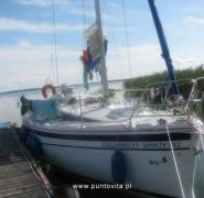 Zacumowany jacht - Mazury 2009