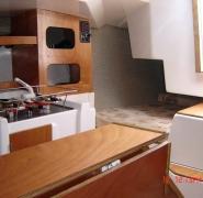 jacht tango 780 sport kabina od srodka