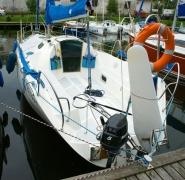 jacht twister 800n zacumowany
