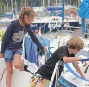 Dzieci na pokładzie jachtu Mazury 2013