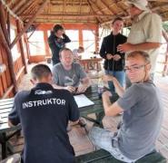 Spotkanie instruktorów w altanie